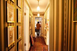 Hallway - Inside the home of ANDY SPADE AND KATE SPADE in NYC.jpg